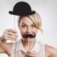 Fotosesijas komplekts vecmeitu ballītēm - ūsas un katliņcepure ar nūjiņām.